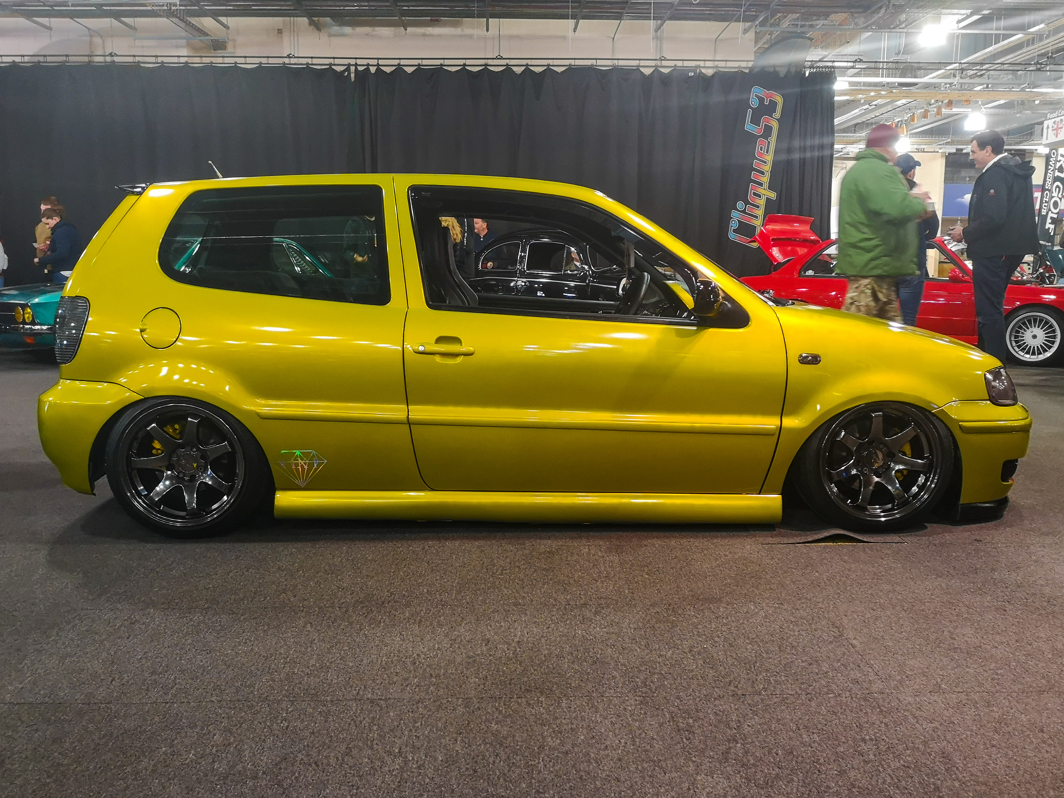 Gold VW Polo 6n Slammed